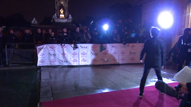 jamie cullum *guardian & telegraph out* at the prince's trust rock gala 2010 arrivals at london england. - プリンスズトラスト点の映像素材/bロール