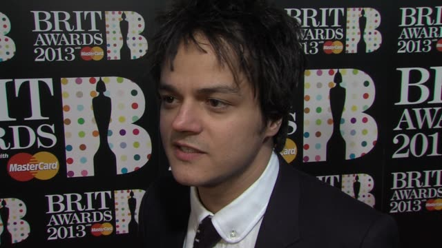 jamie cullum on being at the brits, who he's looking forward to seeing, the new album at the brit awards - arrivals at o2 arena on february 20, 2013... - jamie cullum stock videos & royalty-free footage