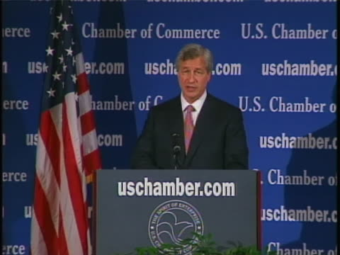 ceo jamie dimon talks about the corporate benevolence of his company jpmorgan chase - business or economy or employment and labor or financial market or finance or agriculture stock-videos und b-roll-filmmaterial