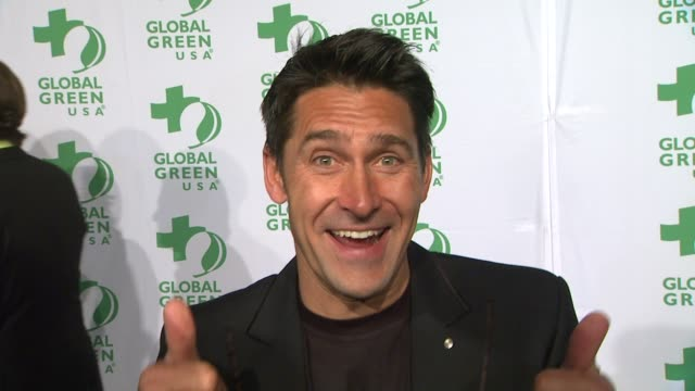 vídeos de stock, filmes e b-roll de jamie durie on creating the living wall installations how people at home can create these and what he does daily to live a greener life at global... - oscar party