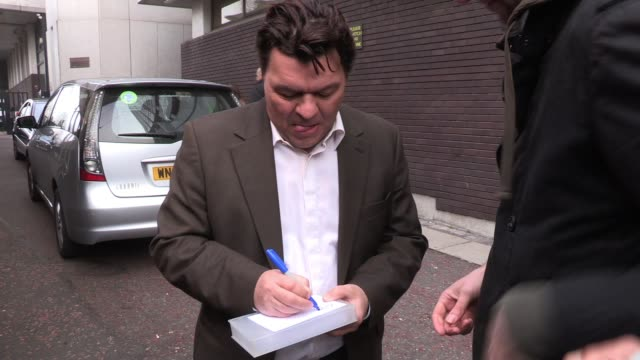 jamie foreman arrives at itv studios to appear on the breakfast show 'lorraine' sighted jamie foreman on march 15 2012 in london england - lorraine stock videos & royalty-free footage