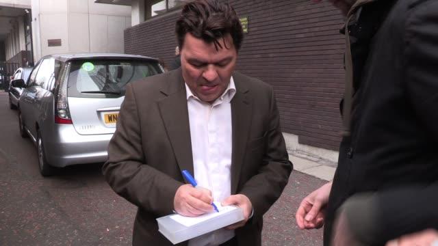 jamie foreman arrives at itv studios to appear on the breakfast show 'lorraine' sighted: jamie foreman on march 15, 2012 in london, england - lorraine bildbanksvideor och videomaterial från bakom kulisserna