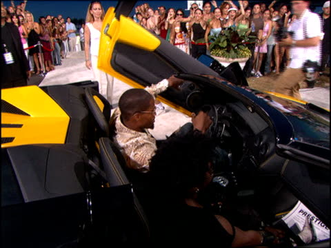Jamie Foxx Arriving at the 2005 MTV Video Music Awards red carpet