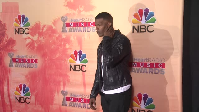 vídeos de stock, filmes e b-roll de jamie foxx at the 2015 iheartradio music awards press room at the shrine auditorium on march 29 2015 in los angeles california - shrine auditorium