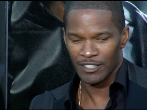 jamie foxx at the 'collateral' los angeles premiere at the orpheum theatre in los angeles, california on august 2, 2004. - orpheum theatre stock videos & royalty-free footage