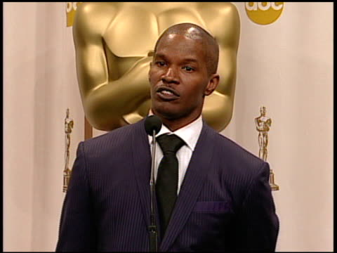 jamie foxx, winner best actor in a leading role for 'ray' at the 2005 annual academy awards at the kodak theatre in hollywood, california on february... - academy awards stock videos & royalty-free footage