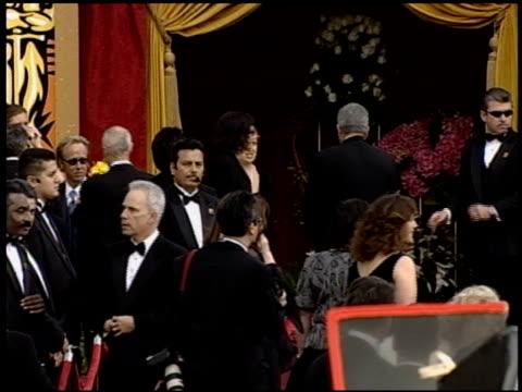 vidéos et rushes de jamie lee curtis at the 2004 academy awards arrivals at the kodak theatre in hollywood, california on february 29, 2004. - 76e cérémonie des oscars
