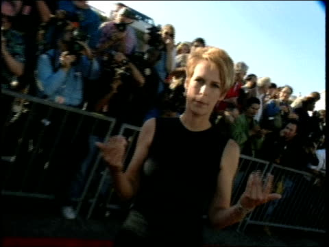 jamie lee curtis on the red carpet at the 1998 mtv movie awards - 1998 stock videos & royalty-free footage