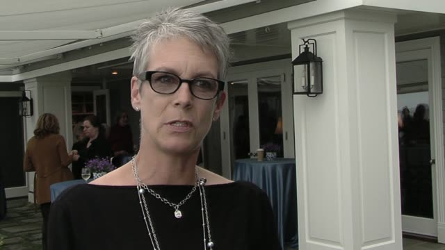 jamie lee curtis on what she appreciates most about the art of improv at the the broad stage's winter feast and frolic at malibu ca. - sketch comedy stock videos & royalty-free footage