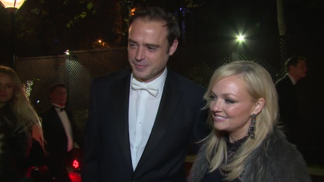 vídeos de stock, filmes e b-roll de jamie theakston and emma bunton on christmas gifts, victoria beckham and myleene klass at global's make some noise on 20th november 2014 in london,... - jamie theakston