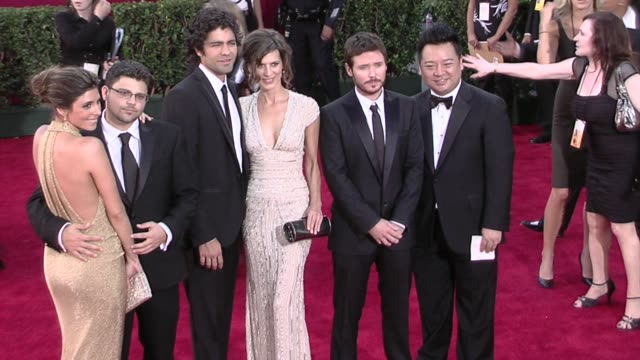 jamie-lynn sigler, jerry ferrara, adrian grenier, perrey reeves, kevin connolly, and rex lee at the 61st annual primetime emmy awards - arrivals part... - jamie lynn sigler stock videos & royalty-free footage