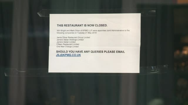 jamie's italian goes into administration england london ext closed notice on restaurant window jamie's italian sign closed notice on door 'jamie... - business finance and industry stock videos & royalty-free footage
