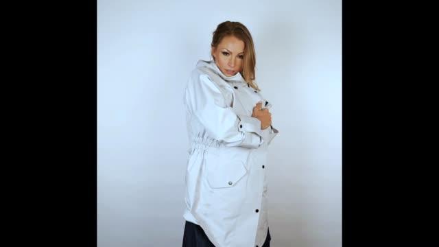 moda Wielka wyprzedaż gładki Jana Julie Kilka at GIF - STUDIO At Getty Images For Jack ...