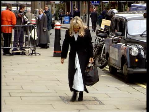 stockvideo's en b-roll-footage met anat shiulie england london jane andrews along as arriving at court for murder trial lucinda ellerysharp along as arriving at court to give evidence - crime and murder