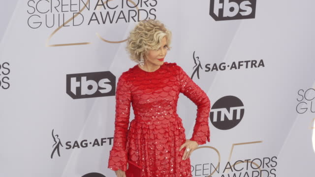 stockvideo's en b-roll-footage met jane fonda at the 25th annual screen actors guild awards at the shrine auditorium on january 27 2019 in los angeles california - screen actors guild