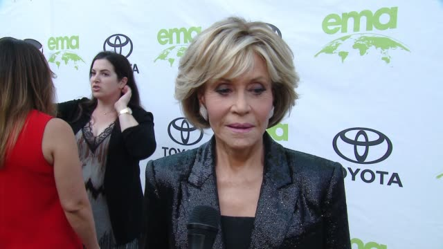 jane fonda on how does it feel to be honored by ema, on what do you think is the most pressing environmental issue right now, and on ema's mission is... - ジェーン・フォンダ点の映像素材/bロール