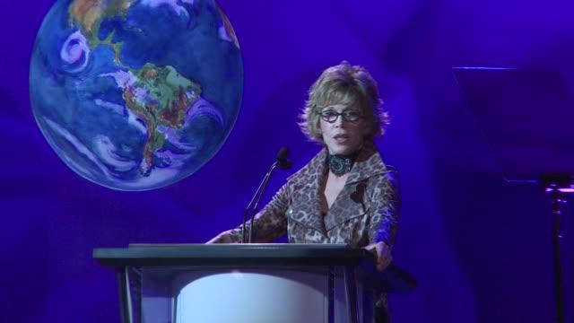 jane fonda on the event at the environmental media association celebrates 2010 ema awards at burbank ca. - ジェーン・フォンダ点の映像素材/bロール