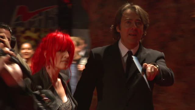 jane goldman and jonathan ross at the fantastic mr. fox opening gala - london film festival at london england. - イギリスのブロードキャスター ジョナサン・ロス点の映像素材/bロール