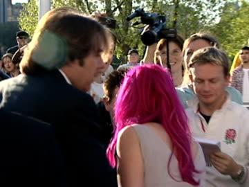 jane goldman & jonathan ross at the tv bafta awards at london . - ジェーン ゴールドマン点の映像素材/bロール