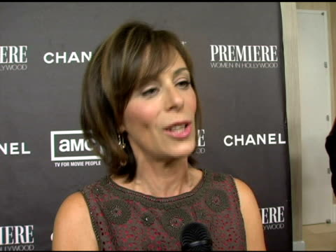 jane kaczmarek on charlize theron on her foundation 'clothes off our backs' on the item that's brought in the most amount of money on teri hatcher's... - teri hatcher stock-videos und b-roll-filmmaterial