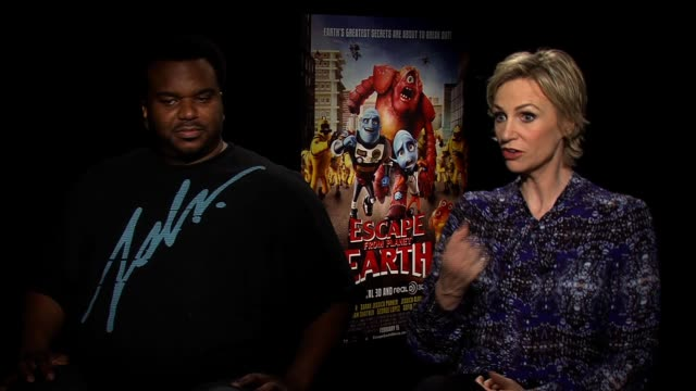 interview jane lynch and craig robinson talk about their respective careers at escape from planet earth new york press junket on february 11 2013 in... - jane lynch stock videos and b-roll footage
