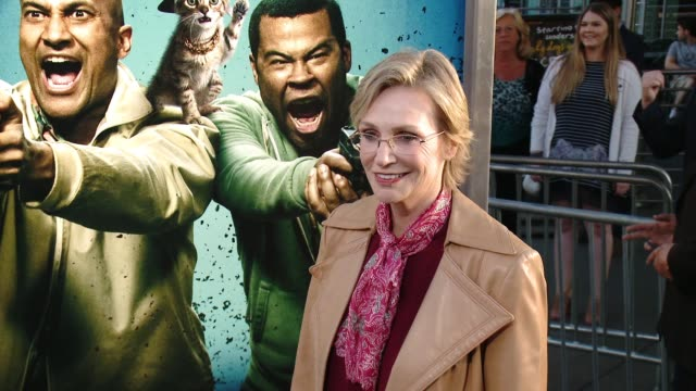 stockvideo's en b-roll-footage met jane lynch at keanu los angeles premiere at arclight cinemas cinerama dome on april 27 2016 in hollywood california - cinerama dome hollywood