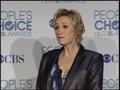 jane lynch on the popularity of 'glee', and what she's going to do with the award at the 2011 people's choice awards - press room at los angeles ca. - people's choice awards stock videos & royalty-free footage