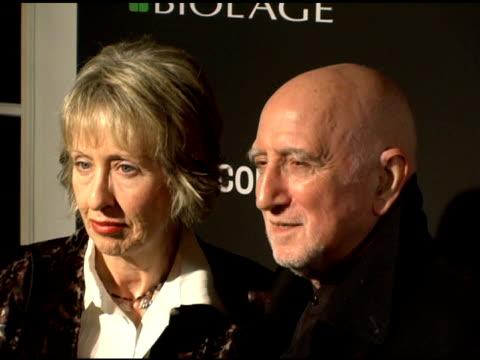 jane pittson and dominic chianese at the entertainment weekly's viewing party for 2006 academy awards at elaine's in new york, new york on march 5,... - エンターテインメント・ウィークリー点の映像素材/bロール