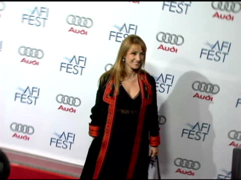 vídeos de stock, filmes e b-roll de jane seymour at the 20th century fox's 'walk the line' premiere at the opening night gala of the 2005 afi fest at the cinerama dome at arclight... - arclight cinemas hollywood
