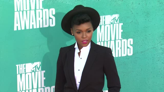 janelle monae at 2012 mtv movie awards - arrivals at gibson amphitheatre on june 03, 2012 in universal city, california - gibson amphitheatre stock-videos und b-roll-filmmaterial