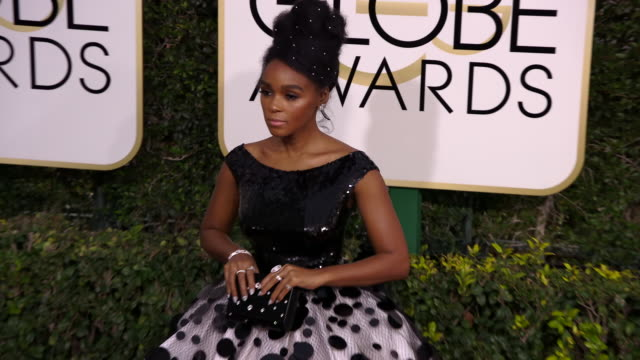 janelle monae at the 74th annual golden globe awards arrivals at the beverly hilton hotel on january 08 2017 in beverly hills california 4k - ビバリーヒルトンホテル点の映像素材/bロール