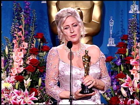 vídeos de stock e filmes b-roll de janty yates at the 2001 academy awards at the shrine auditorium in los angeles california on march 25 2001 - 73.ª edição da cerimónia dos óscares