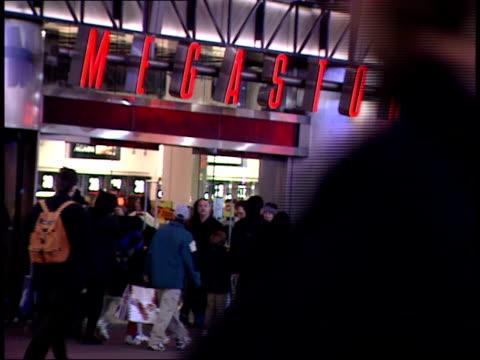 january 15, 2000 pedestrians outside virgin megastore in times square / new york, new york, united states - virgin megastore点の映像素材/bロール