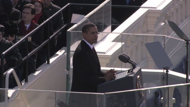 vídeos de stock, filmes e b-roll de january 20 2009 ms president barack obama giving inaugural speech at the capitol building/ washington dc - tomada de posse