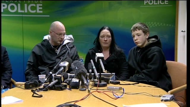 photography*** eleanor skelhorne seated at press conference with kieron bimpson and their son kieron and makes appeal sot safest place she should... - francesca bimpson stock videos & royalty-free footage