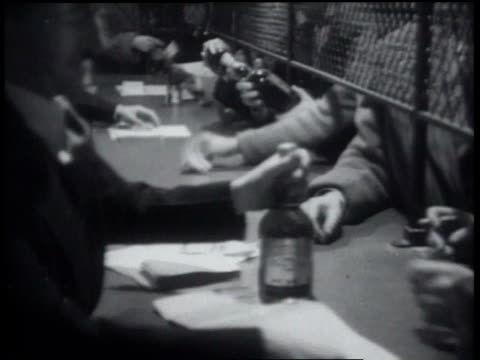 january 24, 1934 b/w people buying whiskey at the end of prohibition / philadelphia, pennsylvania, united states of america - 1934 個影片檔及 b 捲影像