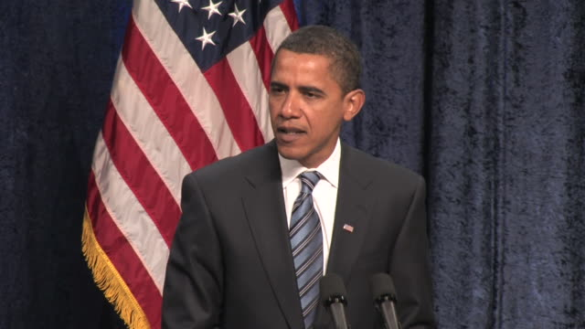 january 8 2009 ms presidentelect barack obama giving a speech on the economy at george mason university/ fairfax virginia/ audio - 2009 video stock e b–roll