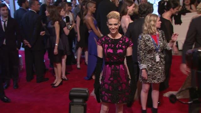 january jones at the 'american woman: fashioning a national identity' met gala - arrivals at new york ny. - ジャニュアリー・ジョーンズ点の映像素材/bロール