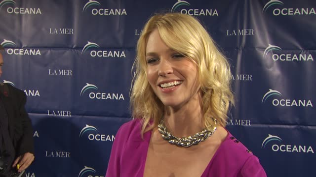 january jones on the event why she loves sharks at the oceana annual partners award gala 2009 at los angeles ca - january jones stock videos & royalty-free footage