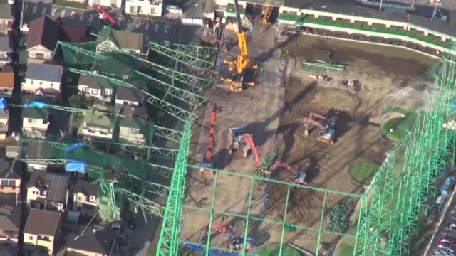 japan, oct. 28 : work began monday to remove large golf driving range netting poles that toppled onto adjacent houses in eastern japan more than a... - driving range stock videos & royalty-free footage