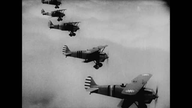 vídeos de stock, filmes e b-roll de japanese bomber planes takking off for air raid on chungking / japanese planes in sky / chinese fighter planes in sky / air battle - air raid