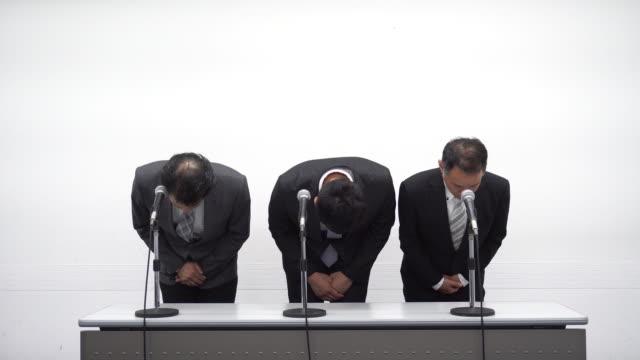 vidéos et rushes de d'affaires japonais excuses - réconciliation
