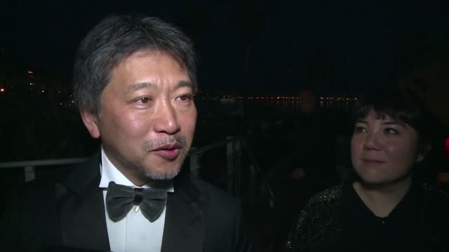 japanese director hirokazu kore eda says he had a wonderful time in cannes after receiving the palme d'or for his film shoplifters - snattare bildbanksvideor och videomaterial från bakom kulisserna