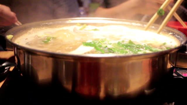 Japanische Speisen, Nabe sukiyaki-Stil
