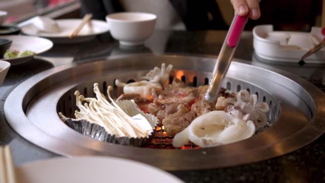 vídeos y material grabado en eventos de stock de comida japonesa - comida coreana