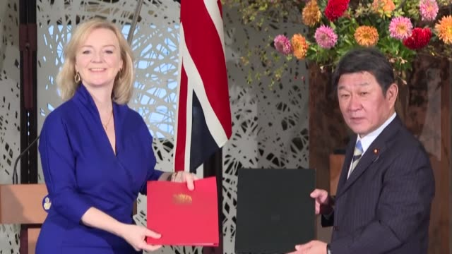 japanese foreign minister toshimitsu motegi and britain's international trade minister liz truss sign first major post-brexit trade deal on friday - tokyo japan stock videos & royalty-free footage