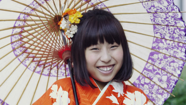 japanese girl in kimono - kimono stock videos & royalty-free footage