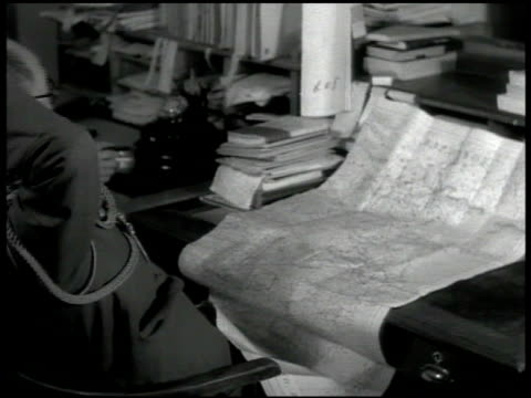 vídeos de stock, filmes e b-roll de japanese men in uniform at desks in map room man marking wall map. japanese warship officers on deck of warship. map: china japan & surrounding areas... - oceano pacífico do sul