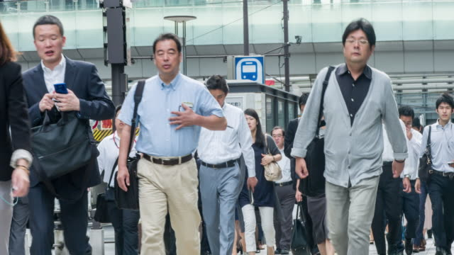 Japanese people commuting to work in Hamamatsuchō Station