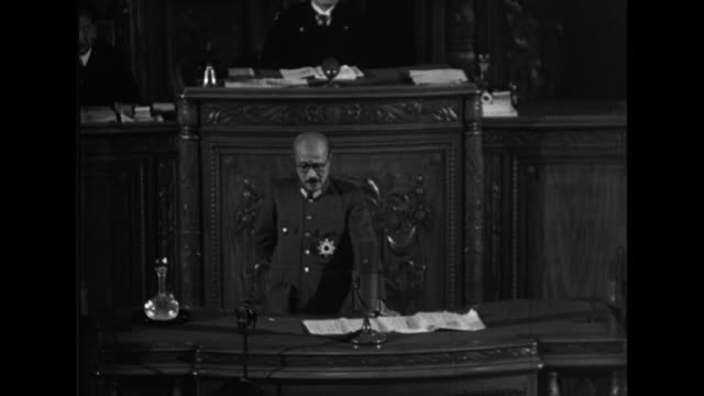 japanese prime minister hideki tojo and other officials address the diet about the war - achsenmächte stock-videos und b-roll-filmmaterial